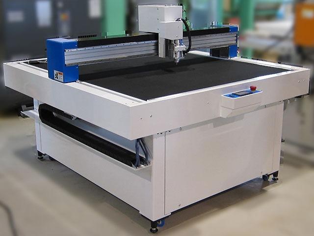 断熱材(建材パネル)をプレカット!<br>「カッティングマシン」で施工現場を効率化